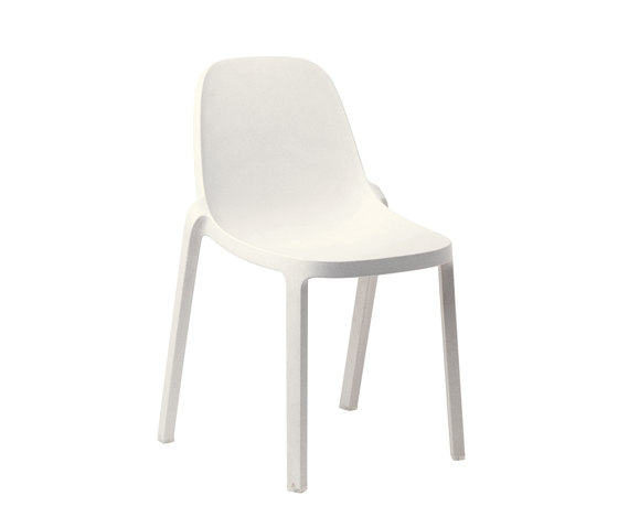 Broom Chair de emeco | Chaises de restaurant