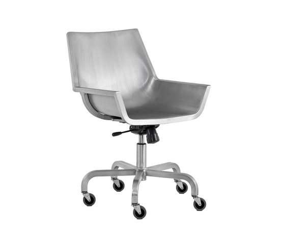 Sezz Swivel chair with castors by emeco | Task chairs