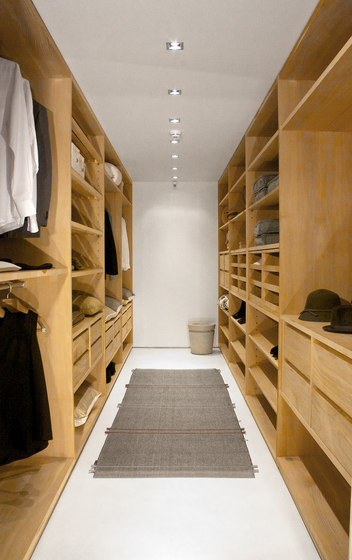 Trust | Walk-in closet by Riva 1920 | Walk-in wardrobes