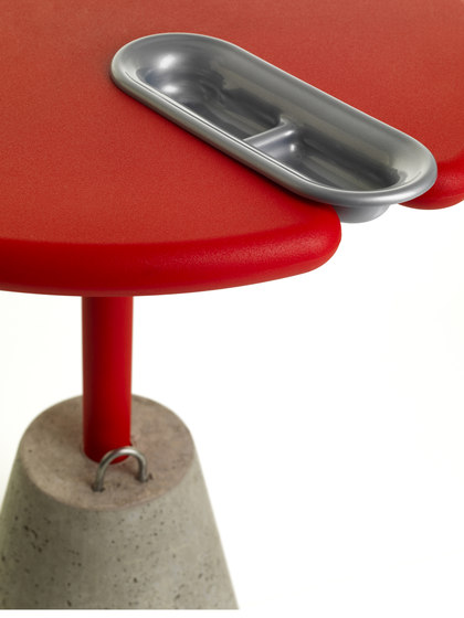 Set-up Table by ALMA Design | Contract tables