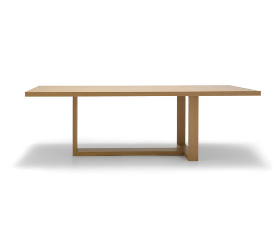 Tao by Andreu World | Dining tables