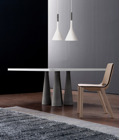 Still by Bonaldo | Restaurant tables