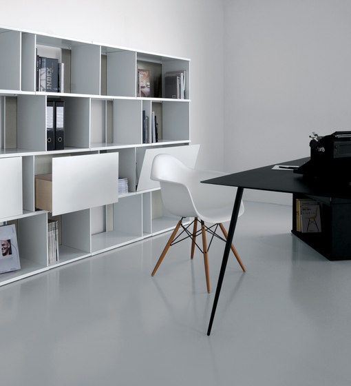 From>To FT04 by Extendo | Office shelving systems