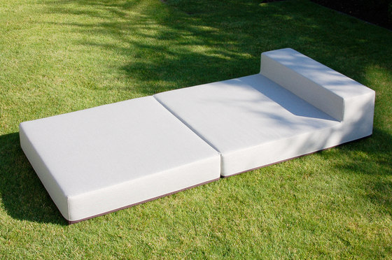 LOOPSTER Daybed by April Furniture | Sun loungers