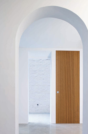 L'Invisibile hinged door by Linvisibile | Front doors