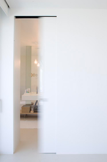 Marea | Concealed Sliding Door by Linvisibile | Internal doors