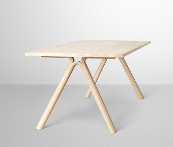 Split Dining Table di Muuto | Scrivanie individuali