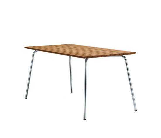 S 1040 by Gebrüder T 1819 | Dining tables
