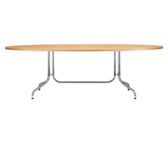 S 1052 by Gebrüder T 1819 | Restaurant tables