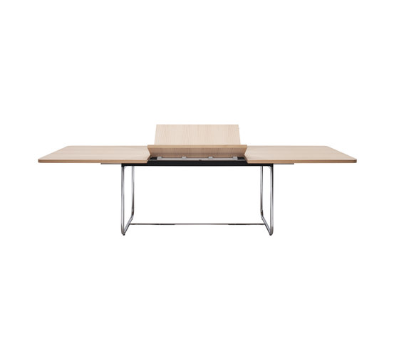 S 1072 by Gebrüder T 1819 | Meeting room tables