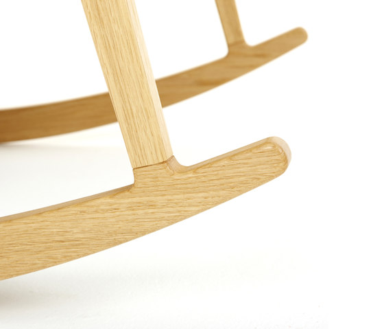Katakana Rocking Chair de Dare Studio | Fauteuils