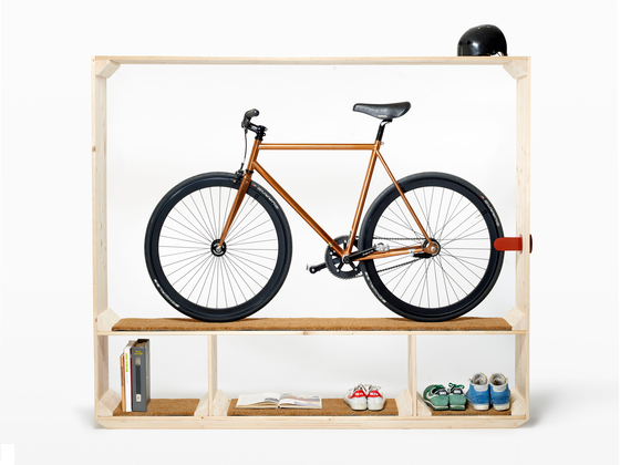 Shoes, Books and a Bike de Postfossil | Muebles zapateros
