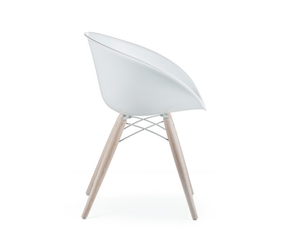 Gliss 904 by PEDRALI | Restaurant chairs