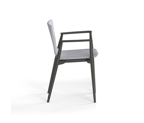Malmö Armchair 396 by PEDRALI | Restaurant chairs