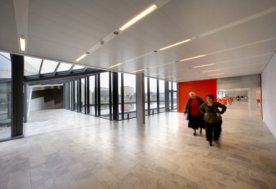 Post Cap ceilings di Lindner Group | Sistemi soffitto