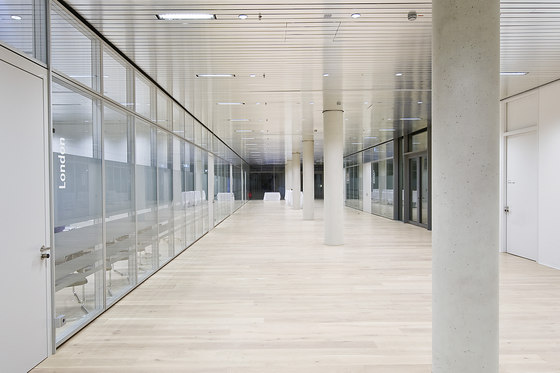 Life glass partition walls di Lindner Group | Pareti divisorie ufficio