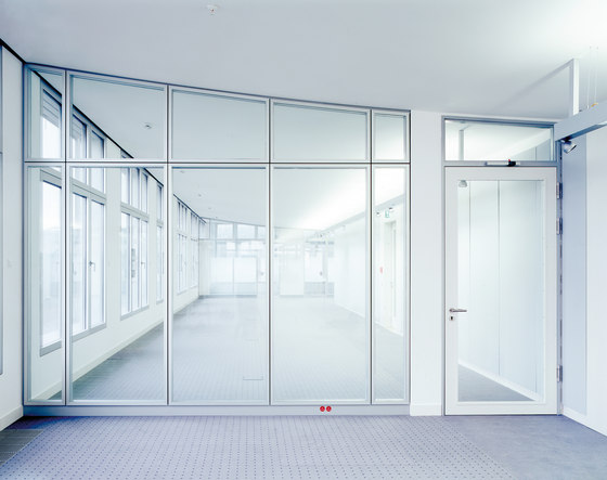 Life glass partition walls by Lindner Group | Product