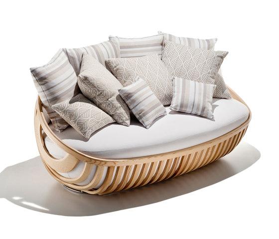 arena collection sofa by Schönhuber Franchi | Garden sofas