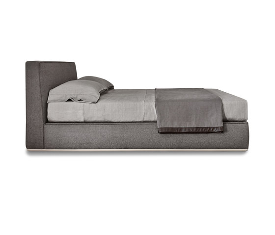 Powell Bed.94 de Minotti | Lits doubles