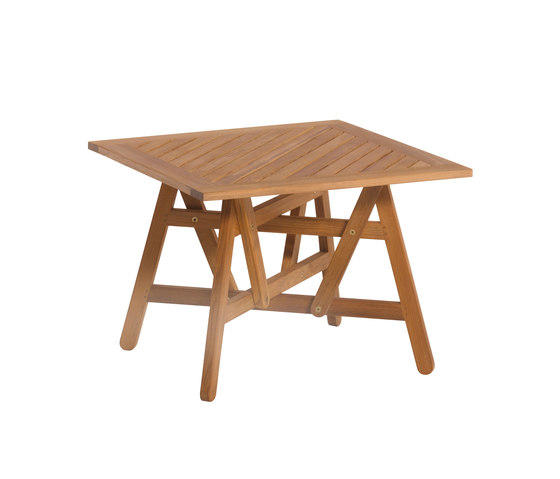 Nods Tavolino Club di Atelier Pfister | Tavoli da pranzo da giardino