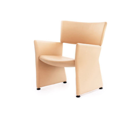 Crown Armchair by Massproductions | Restaurant chairs