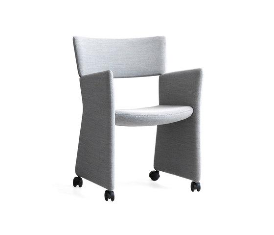 Crown Armchair von Massproductions | Restaurantstühle