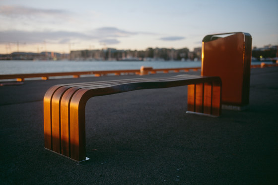 Dialog bench by Vestre | Exterior benches