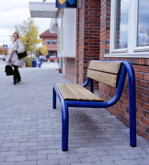 Hvilan bench by Vestre | Exterior benches