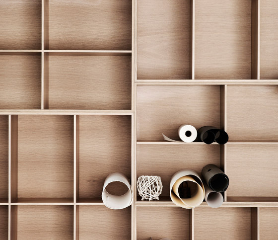 Bookcase by Carl Hansen & Søn | Shelving systems