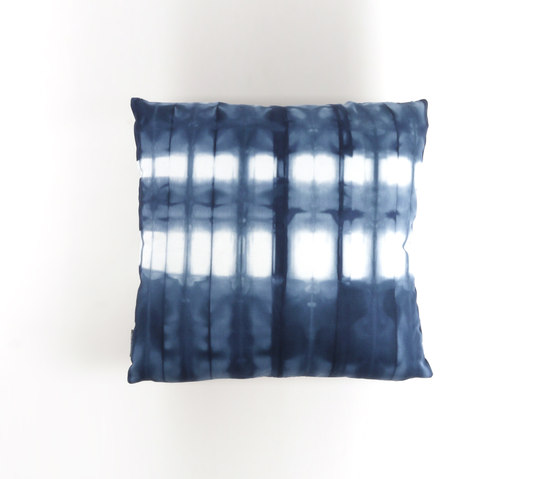 Tie & Dye Stries Marine de Chiccham | Coussins