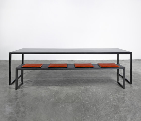 Table and Bench on_01 di Silvio Rohrmoser | Panche