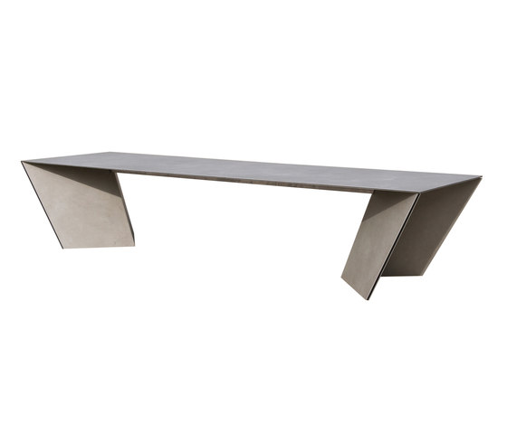 Angle by Calma | Dining tables