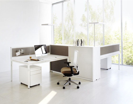 Q3 Series worktable by ophelis | Individual desks