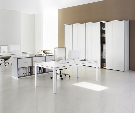 U4 Series Desk by ophelis | Individual desks