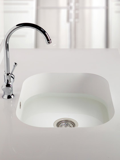 Kitchen sinks kitchen products silestone integrity sinks for Silestone sink