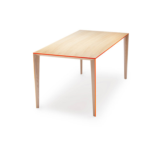Ray Table medium de Skitsch by Hub Design | Mesas para restaurantes