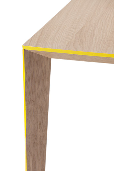 Ray Table big by Skitsch by Hub Design | Restaurant tables