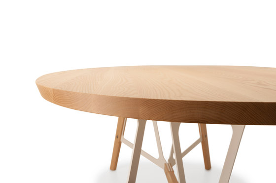 Stammtisch Oval by Quodes | Restaurant tables