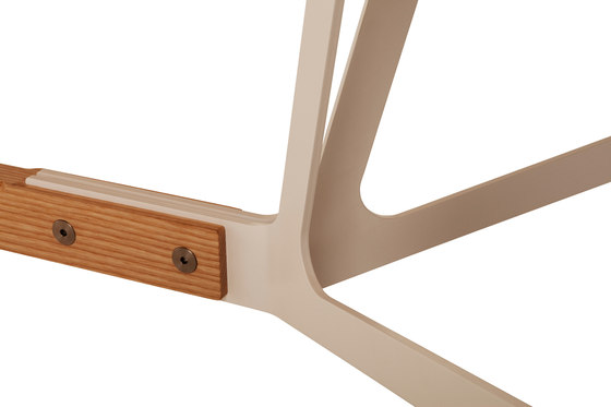 Stammtisch oval table von Quodes | Esstische