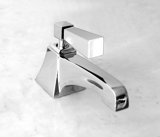 VIP Time 1 hole basin set by Devon&Devon | Bidet taps