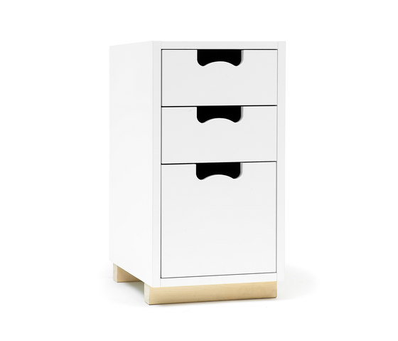 Snow G1 by ASPLUND | Clothes sideboards