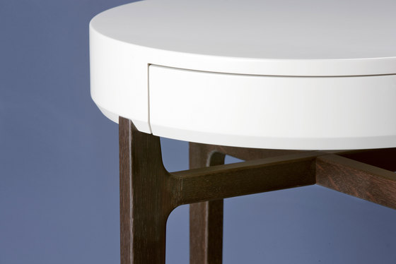 Academy BT-ScH 50-1 Beistelltisch by Christine Kröncke | Side tables