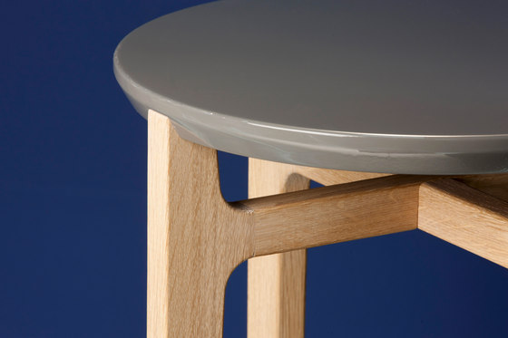 Academy BT-50 Beistelltisch by Christine Kröncke | Side tables