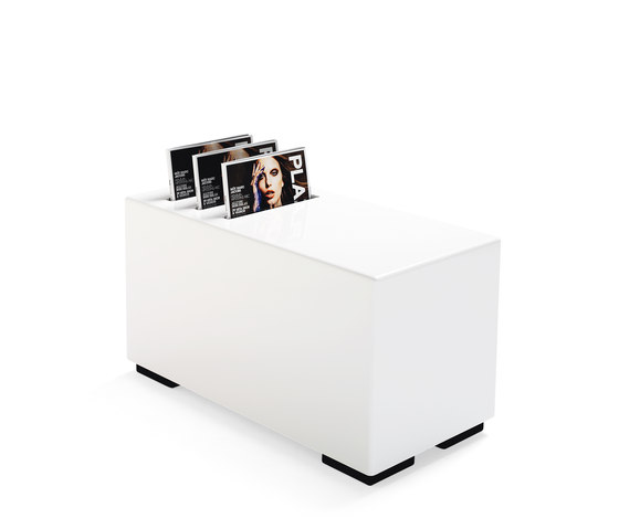 Monolog Table Magazine Holder de Materia | Porte-revues
