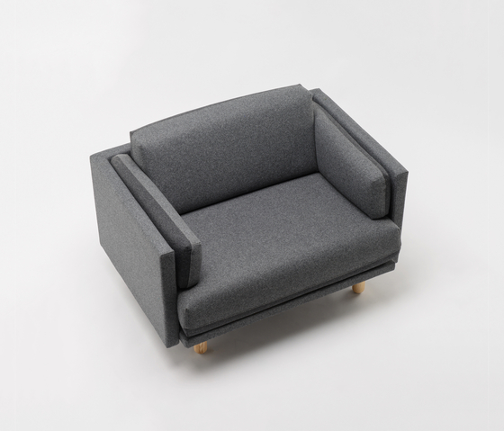 Arnhem Loveseat 71 by De Vorm | Lounge chairs