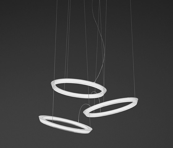 Halo hanging lamp triple by Vibia | General lighting