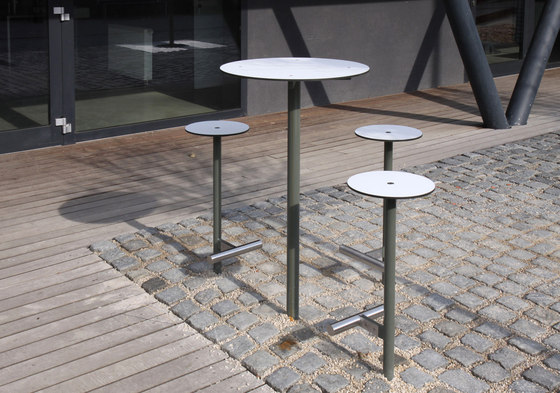 bistrot Table by mmcité | Exterior tables
