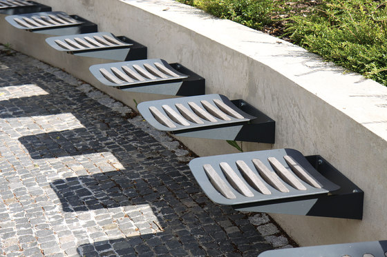 odna Bench by mmcité | Beam / traverse seating