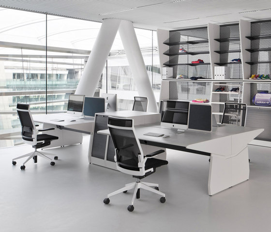 Workout Gruppen APL by planmöbel | Desking systems