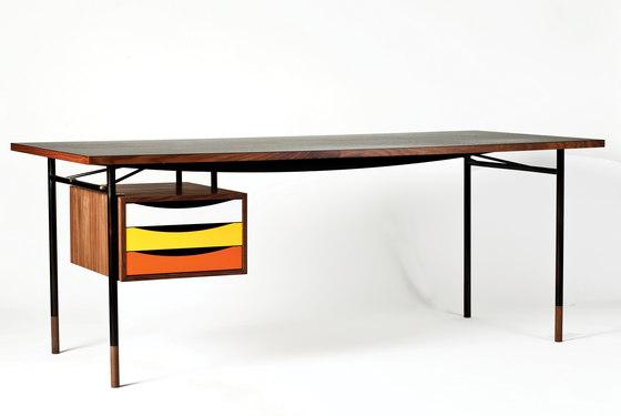 Nyhavn Table and Tray Unit von House of Finn Juhl - Onecollection   Schreibtische